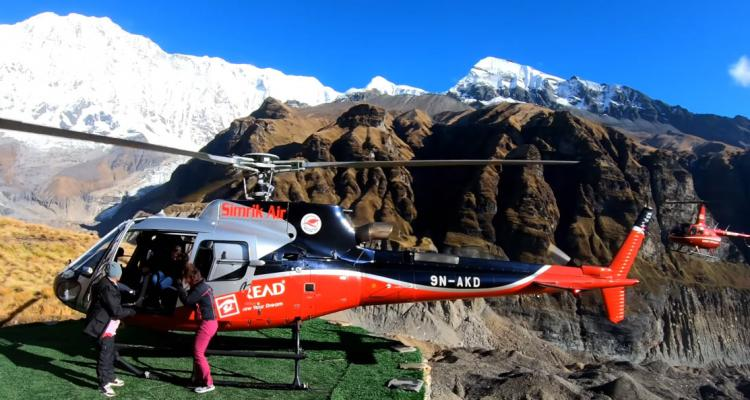 Helicopter in Annapurna base camp 170
