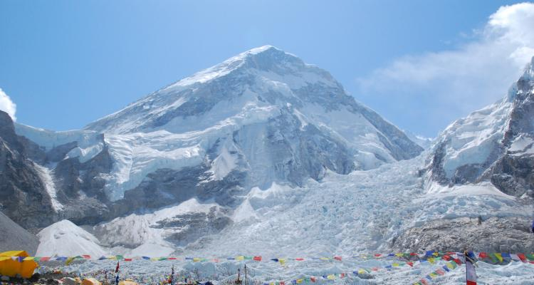 Everest Base camp trekking in Spring: March, April, May, June  28