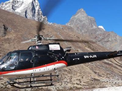 Helicopter in Everest